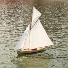 """March 29, 2013 Photo of the day: """"Fair Winds"""" C'est ma vie!: Sailing in Paris"""