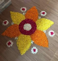 Easy Rangoli Designs Videos, Rangoli Designs Simple Diwali, Simple Flower Rangoli, Simple Rangoli Border Designs, Simple Flower Design, Rangoli Designs Flower, Free Hand Rangoli Design, Rangoli Ideas, Colorful Rangoli Designs