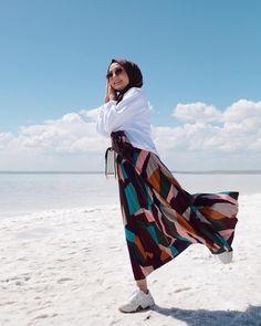 Hijab style Girls Dp For Editing – Hijab Fashion 2020 Hijab Fashion Summer, Modern Hijab Fashion, Hijab Fashion Inspiration, Muslim Fashion, Casual Hijab Outfit, Hijab Chic, Casual Brunch Outfit, Hijab Fashionista, Kurti Designs Party Wear
