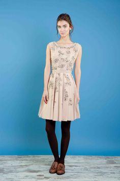 Abito anni '50 con ricami di pietre e filo. #bonton #princesse #metropolitaine #fashion #dress #fifties #embroidery