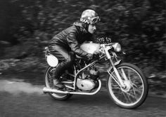 32 Vintage Photographs Of Women And Motorcycles