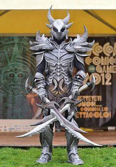 The Elder Scrolls: Skyrim Cosplay Daedric Armor Skyrim Cosplay, Cosplay Armor, Cosplay Anime, Epic Cosplay, Amazing Cosplay, Skyrim Costume, Armadura Cosplay, Foto Batman, Daedric Armor