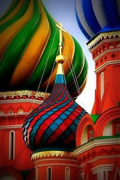 Saint Basil's Cathedral, the Red Square in Moscow, Russia Colors Of The World, Rainbow Colors, Vibrant Colors, Colorful, Jigsaw, Chromotherapy, Cities In Europe, Color Of Life, Amazing Architecture