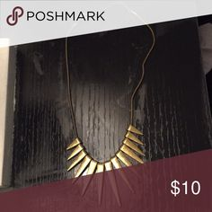 Tobi necklace Rustic gold necklace by Tobi! Worn a few times in college Tobi Jewelry Necklaces