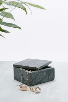 Small Low Marble Box