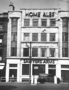 """"""" - The Home Ales art deco styled 'Sawyers Arms' on Lister Gate - closed in 1988 🍺🏹"""" Nottingham Pubs, Old Pub, England Uk, Belfast, Vintage Photographs, Windmill, 30 Years, Old Photos, The Past"""