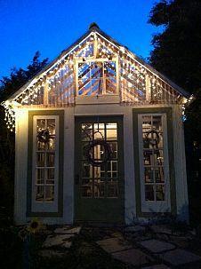 Diy Greenhouse Plans From Old Windows - Home Design Outdoor Greenhouse, Cheap Greenhouse, Home Greenhouse, Greenhouse Interiors, Greenhouse Ideas, Portable Greenhouse, Outdoor Sheds, Outdoor Spaces, Recycled Door