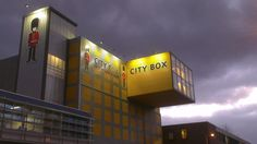 City Box Amsterdam Zuid bij nacht