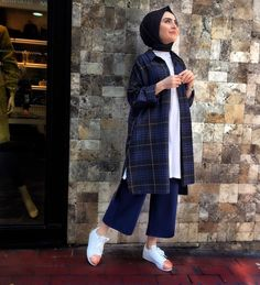 With love Sev - Outfit Center Modest Fashion Hijab, Casual Hijab Outfit, Hijab Chic, Hijab Dress, Muslim Fashion, Modest Outfits, Casual Outfits, Fashion Outfits, Mode Turban