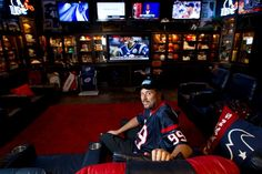 Sports Man Cave   Deer Park man has the best man cave ever - Houston Chronicle