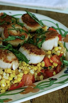 Seared Scallops with Sweet Corn and Tomato Succotash