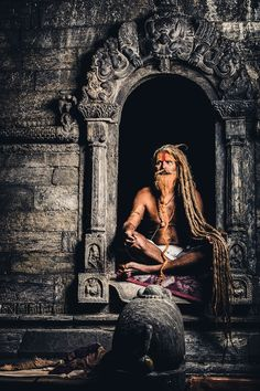 Shared by Rose Singh. Find images and videos about india, sadhu and meditation on We Heart It - the app to get lost in what you love. Sadhus India, Photographie Street Art, Yoga Studio Design, Lord Shiva Hd Wallpaper, Shiva Art, Amazing India, India Culture, People Of The World, World Cultures