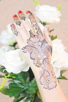 Diwali 2019 Special Mehndi Design for Hand Latest Mehndi Design Images, Mehndi Designs For Beginners, Latest Mehndi Designs, Mehndi Designs For Hands, Henna Designs, Mehendi Simple, Best Mehndi, Bridal Mehndi, Diwali