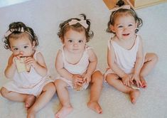 Baby Girl Bows, Girls Bows, Baby Girl Gifts, Baby Girls, Pink Hair Bows, Baby Girl Headbands, Little Girl Photography, Newborn Photography, Newborn Hair Bows