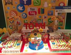 """Social Networks / Redes Sociales / Birthday """"Social Networks for Tomi / Redes Sociales para Tomi"""" 