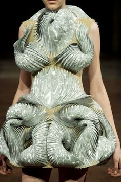 See!!! You can too wear those shower spongy thingy's!   ----------------- by Iris van Herpen