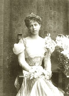 1898 Marie of Romania by Giacomo Brogi Romanian Royal Family, German Royal Family, Queen Victoria Children, Princess Victoria, Princess Alexandra, Princess Beatrice, Maud Of Wales, Victorian Paintings, Royal Look
