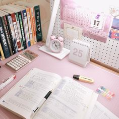 📚 college & study 📚, aesthetic ^ soft pink, aesthetic ^ notes &am Study Room Decor, Study Rooms, Study Areas, Study Space, Study Desk, Bedroom Decor, Desk Space, Study Corner, Study Organization