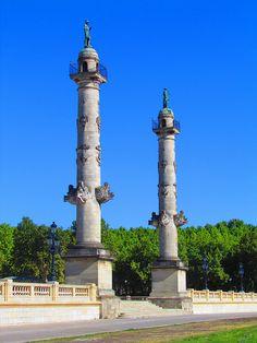 Les colonnes rostrales - Place des Quinconces, Bordeaux, France