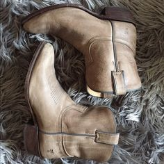 Frye Billy Short Boots Bought from Nordstrom. Worn maybe only a couple of times. I DO NOT TRADE. Authentic. Frye Shoes Ankle Boots & Booties
