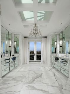 Luxury marble bathroom decor | white carrara marble bathroom ideas | #marblebathrooms #bathroomdecor #bathroomideas