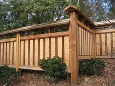 Building A Wooden Privacy Fence. Building A Wooden Privacy Fence. How to Build A Wood Fence Japanese Fence, Japanese House, Japanese Gardens, Bamboo Fence, Cedar Fence, Backyard Fences, Backyard Landscaping, Fence Slats, Front Fence