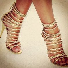 Cannot explain how perfect these shoes are! Glittery and perfect!! Gimme!