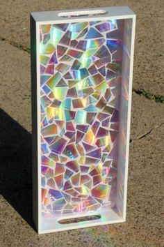 Diy Resin Crafts, Mosaic Crafts, Crafts To Sell, Paper Crafts, Etsy Crafts, Diy Crafts With Cds, Recycled Cd Crafts, Diy Resin Tray, Diy Arts And Crafts