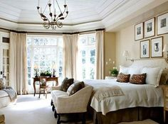 master bedroom. love the bench at the foot of the bed