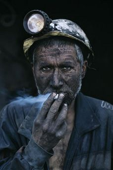 Steve McCurry - Always has a way of capturing the spirit