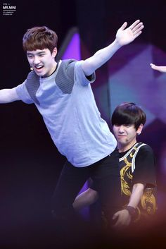 Hahaha it looks like D.O is farting and Baekhyun is just like haha