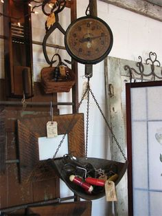 Love this hanging scale! Vintage Scale Display, Hanging Scale, Primitive Decorating, Old Scales, Country Decor, Rustic Decor, Porch Decorating, Vintage Kitchenware, Primitive Furniture
