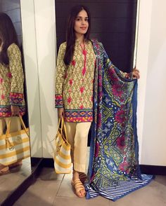 We spotted the Gorgeous #SumbalIqbal wearing this stylish and chic outfit from #Pal Linen Shawl Collection by Din Industries👌#dinlifestyle @dinlifestyle❣ #ModernPakistaniElites