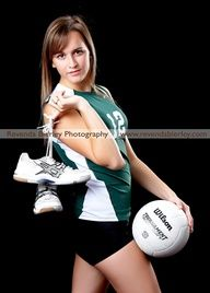 poses for senior pictures volleyball - Google Search LOVE IT. I want a picture my senior year like this
