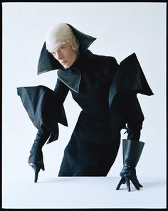 Dame of Thrones © Tim Walker