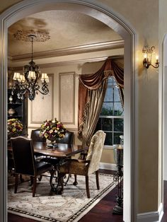 19 Magnificent Design Ideas of Classy Traditional Dining Rooms Traditional style looks so elegant and classy in every room. If you are fan of this interior style you probably love all the kinds of traditional dining Dining Room Design, Room Design, Tuscan Dining Rooms, Traditional Dining, Formal Dining Room, Dining Room Curtains, Mediterranean Home Decor, Dining Design, Home Decor