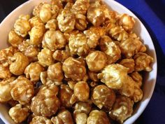 This easy caramel corn recipe is sure to be a crowd pleaser. The no fail recipe ensures a sweet and crunchy caramel corn with just the right texture. Caramel Corn Recipes, Popcorn Recipes, Candy Recipes, Sweet Recipes, Caramel Popcorn Recipe No Corn Syrup, Appetizer Recipes, Snack Recipes, Dessert Recipes, Cooking Recipes