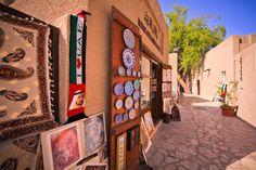 Explore the art galleries and cafés in the Al Bastakiya neighbourhood Dubai #UAE #iGottaTravel