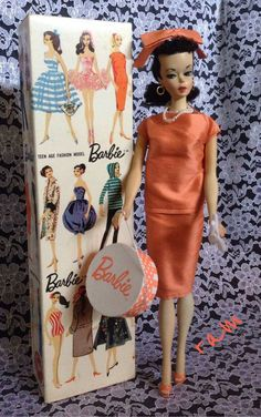 Sheath shown on box was never produced until the 2009 Barbie convention.