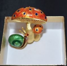 18k  Vintage Yellow Gold  Mushrooms & Snail Enameled Brooch or Pin