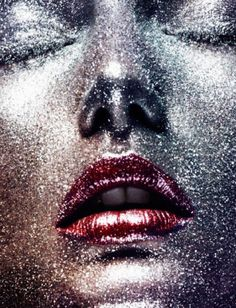 Andreea Diaconu photographed by Ben Hassett for Vogue Paris October 2015 Stylist: Claire Dhelens Hair: Christian Eberhard Makeup: Georgina Graham Vogue Paris, Beauty Editorial, Editorial Fashion, Mystic Girls, Glitter Makeup, Glitter Face, Silver Glitter, Metallic, Beauty Shots