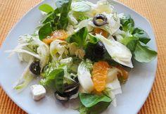 13+1 laktató saláta kevesebb mint 300 kalóriából | NOSALTY Feta, Caprese Salad, Food Processor Recipes, Tacos, Brunch, Healthy Recipes, Healthy Meals, Mint, Favorite Recipes