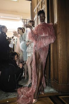 glam home accents Celia Kritharioti Spring/Summer 2019 Couture See all the Backstage photos from Celia Kritharioti Spring/Summer 2019 Couture now on British Vogue Runway Fashion, High Fashion, Fashion Show, Fashion Outfits, Fashion Design, Ski Fashion, Steampunk Fashion, Gothic Fashion, Victorian Fashion