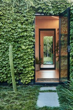 Architecture design - Writer's Shed by Matt Gibson is a Melbourne garden studio covered in ivy Architecture Design, Landscape Architecture, Landscape Design, Australian Architecture, City Landscape, Melbourne Garden, Boston Ivy, The Design Files, Design Design