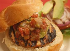 #FoodFunHop :: Guacamole & Spicy Pico Salsa Turkey Burgers by http://deniseisrundmt.com/