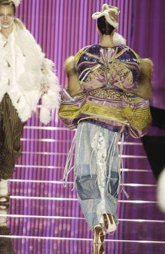 148 photos of John Galliano at Paris Fashion Week Fall 2002.