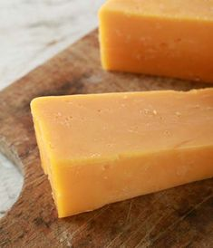Leicester is also known as 'Red Leicester'. It is made similarly to cheddar cheese, although the result ends up somewhat crumblier. The cheese traditionally had annatto extract added to the milk to produce its distinctive orange hue, hence the name Red Leicester was born. The mellow, creamy, sweet flavour of this cheese at a young age (12 weeks) becomes stronger and stronger as it matures. It is a versatile cheese, which melts beautifully and brings a nice colour to any cheese platter or… American Recipes, American Food, How To Make Cheese, Food To Make, Artisan Cheese, Cheese Platters, Ginger Beer, Cheese Cloth, Kitchens