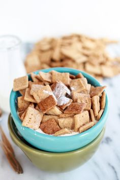 Yummy Homemade Cinnamon Toast Crunch Cereal with Whole Wheat Flour and Coconut Oil. Homemade Cereal, Breakfast Desayunos, Perfect Breakfast, Crunch Cereal, Cereal Bars, Cinnamon Toast Crunch, Cinnamon Cereal, Little Lunch, Half Baked Harvest