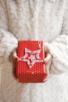 14/24. It's time for surprises by Isabel Pavía, via Flickr
