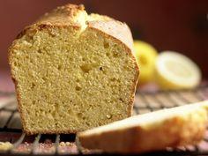 Maisgrieß-Rührkuchen - mit Zitrone - smarter - Kalorien: 288 Kcal - Zeit: 25 Min. | eatsmarter.de